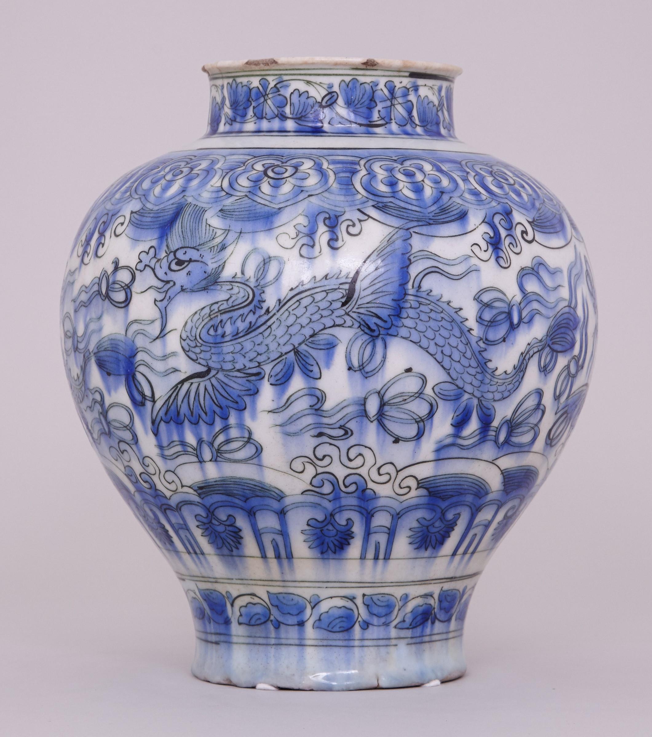 28 Unique 17th Century Chinese Vase 2021 free download 17th century chinese vase of a blue and white persian safavid jar 17th century anita gray within a blue and white persian safavid jar 1