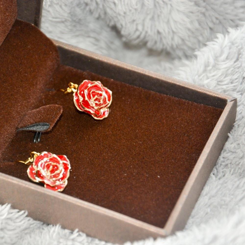 13 Fantastic 24k forever Rose and Engraved Vase