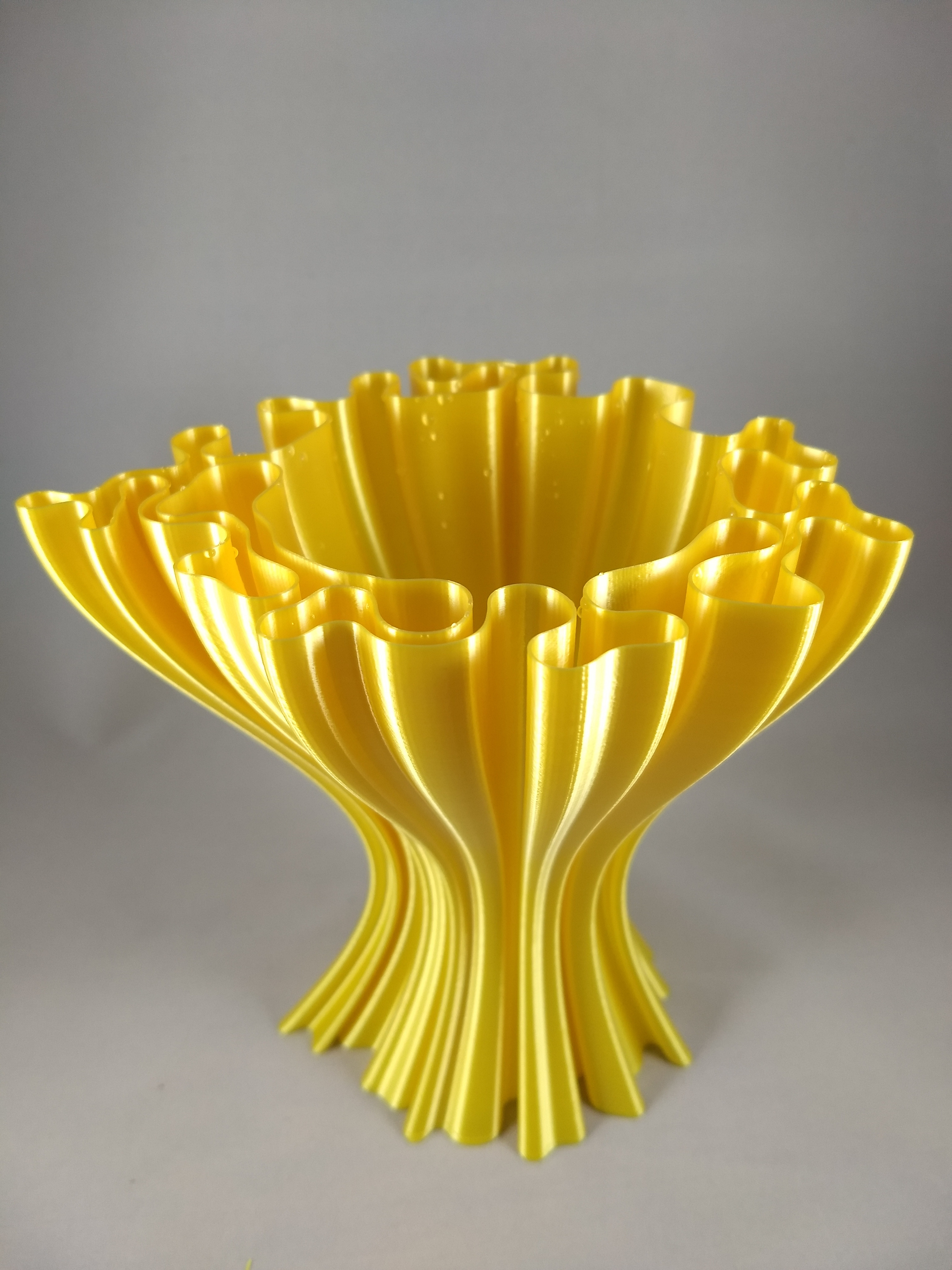 3d printed vase for sale of 3d printable wavy vase by fernando jerez in picture of print of wavy vase this print has been uploaded by eric joe