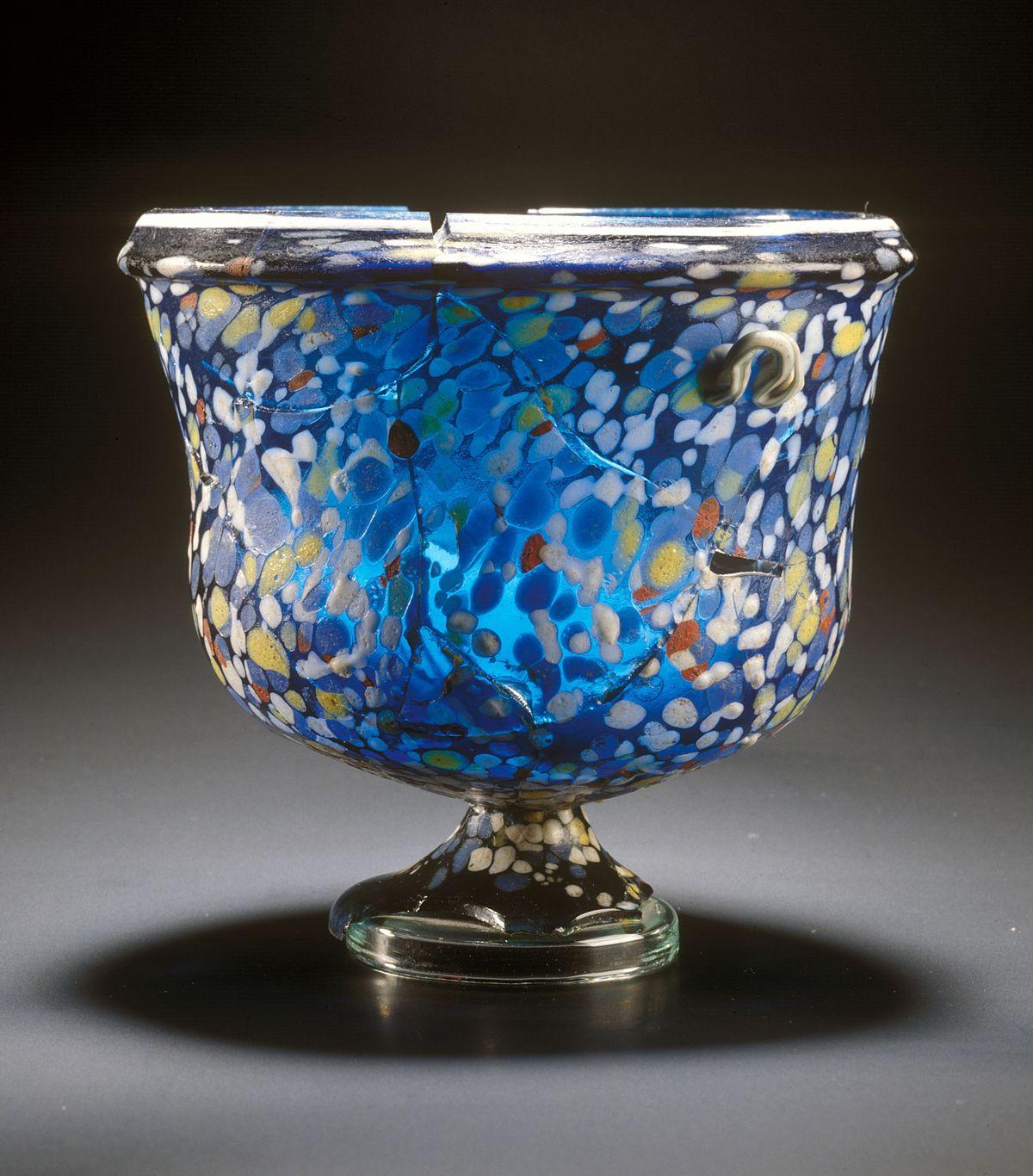 6 square glass cube vase of glass art wikipedia intended for 1200px emona trgovina in obrt 1a