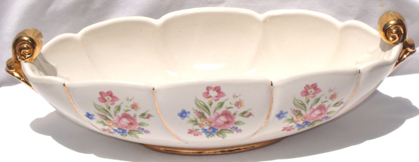 abingdon usa pottery vase of vint abingdon u s a pottery console bowl 532 cream w floral throughout abingdon u s a pottery console bowl 532 cream w floral decor gold 1940s 1 of 3only 1 available