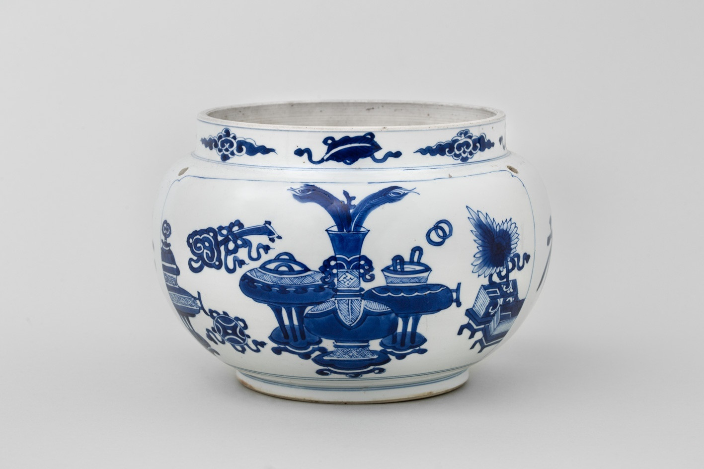 antique chinese pottery vases of a chinese blue and white kangxi jar kangxi 1662 1722 anita gray in a chinese blue and white kangxi jar