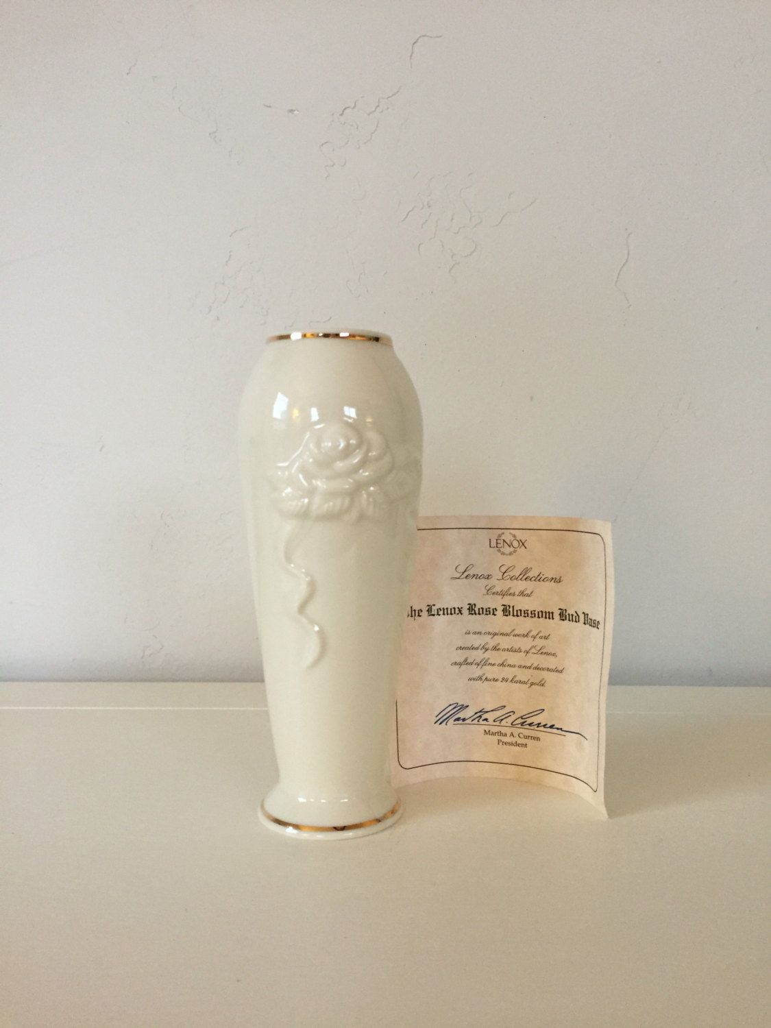 antique gold flower vase of lenox collections rose blossom bud vase with 24kt gold trim new in pertaining to lenox collections rose blossom bud vase with 24kt gold trim new in bag with certificate