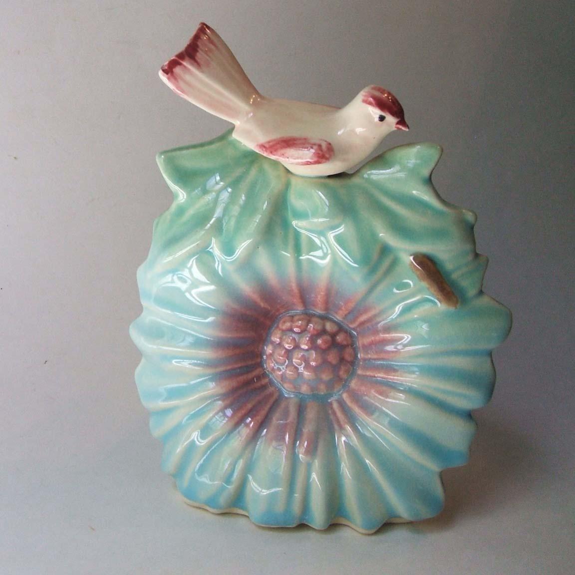 antique wall pocket vases of vintage mccoy pottery bird on sunflower wall pocket vase white bird regarding vintage mccoy pottery bird on sunflower wall pocket vase white bird blue flower