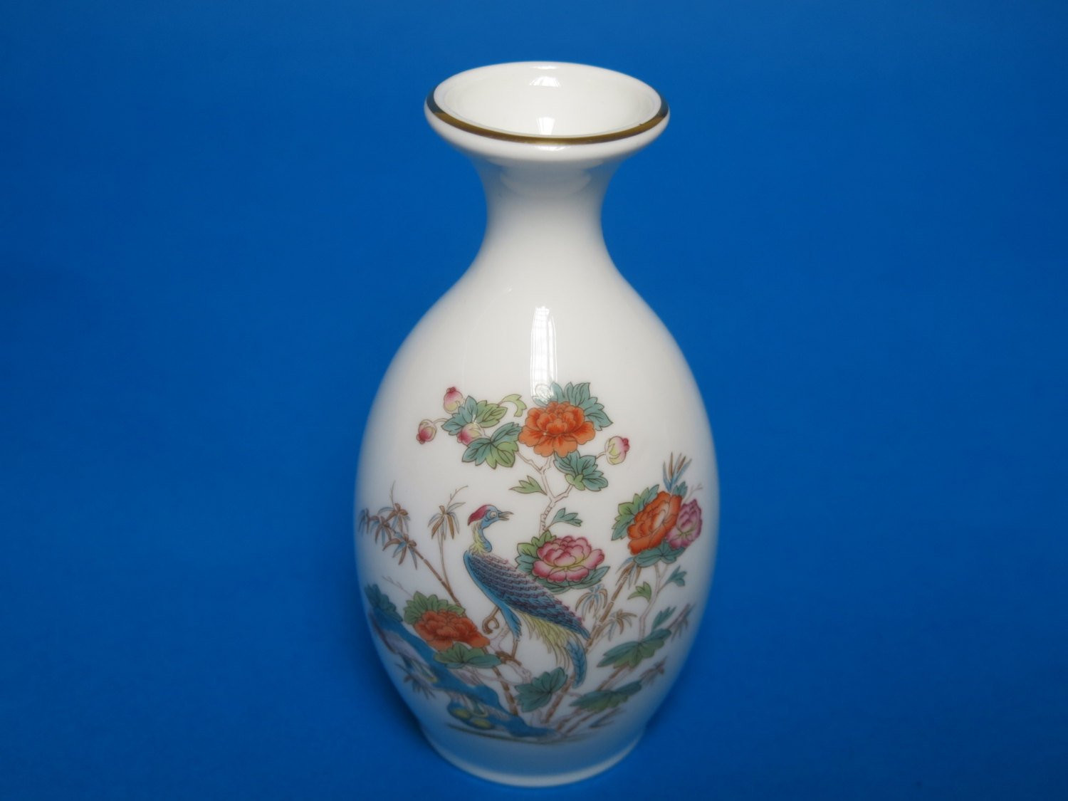 "antique wedgwood vase of small wedgwood bud vase kutani crane pattern made in england in dŸ""Žzoom"