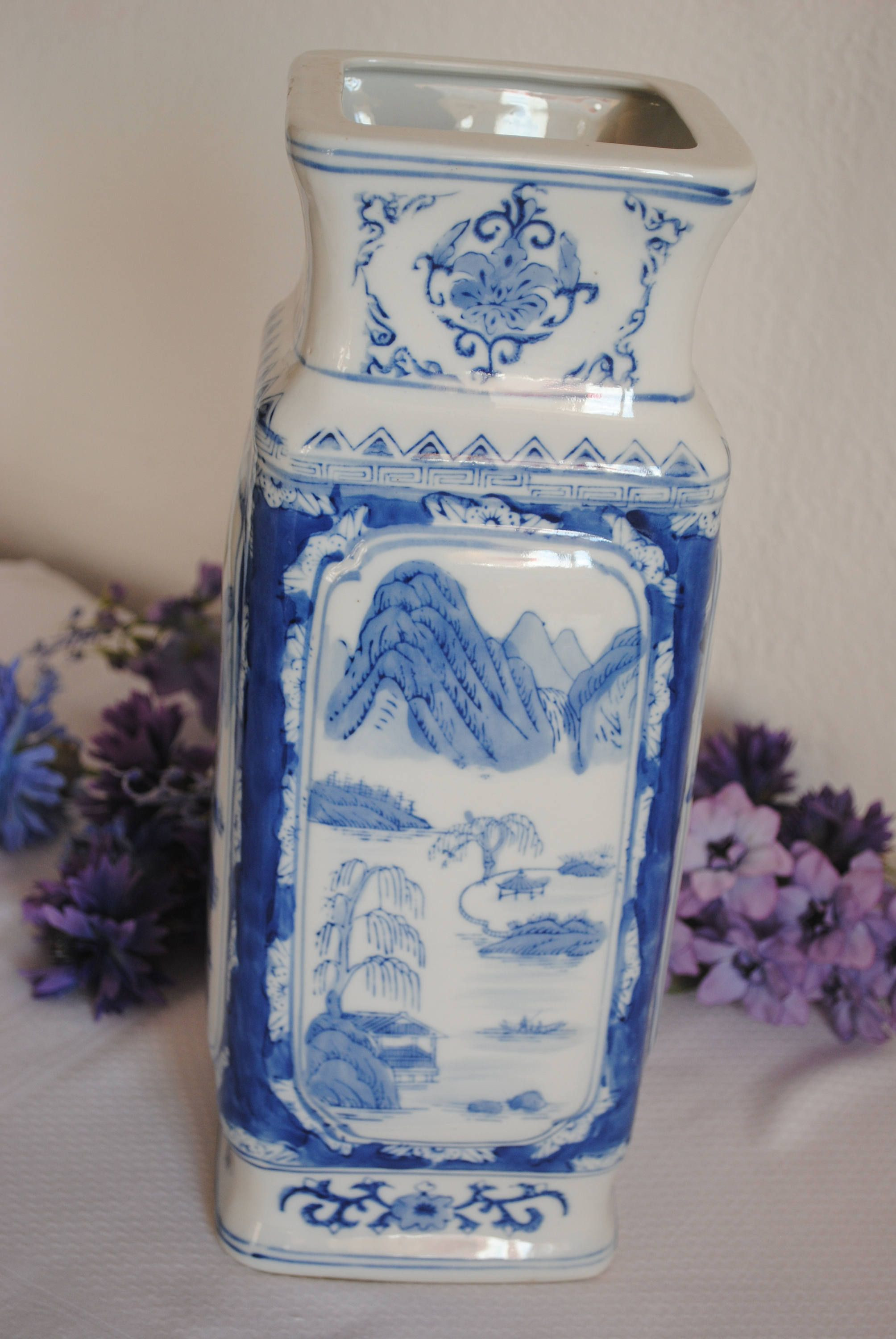 20 Nice asian Vases for Sale