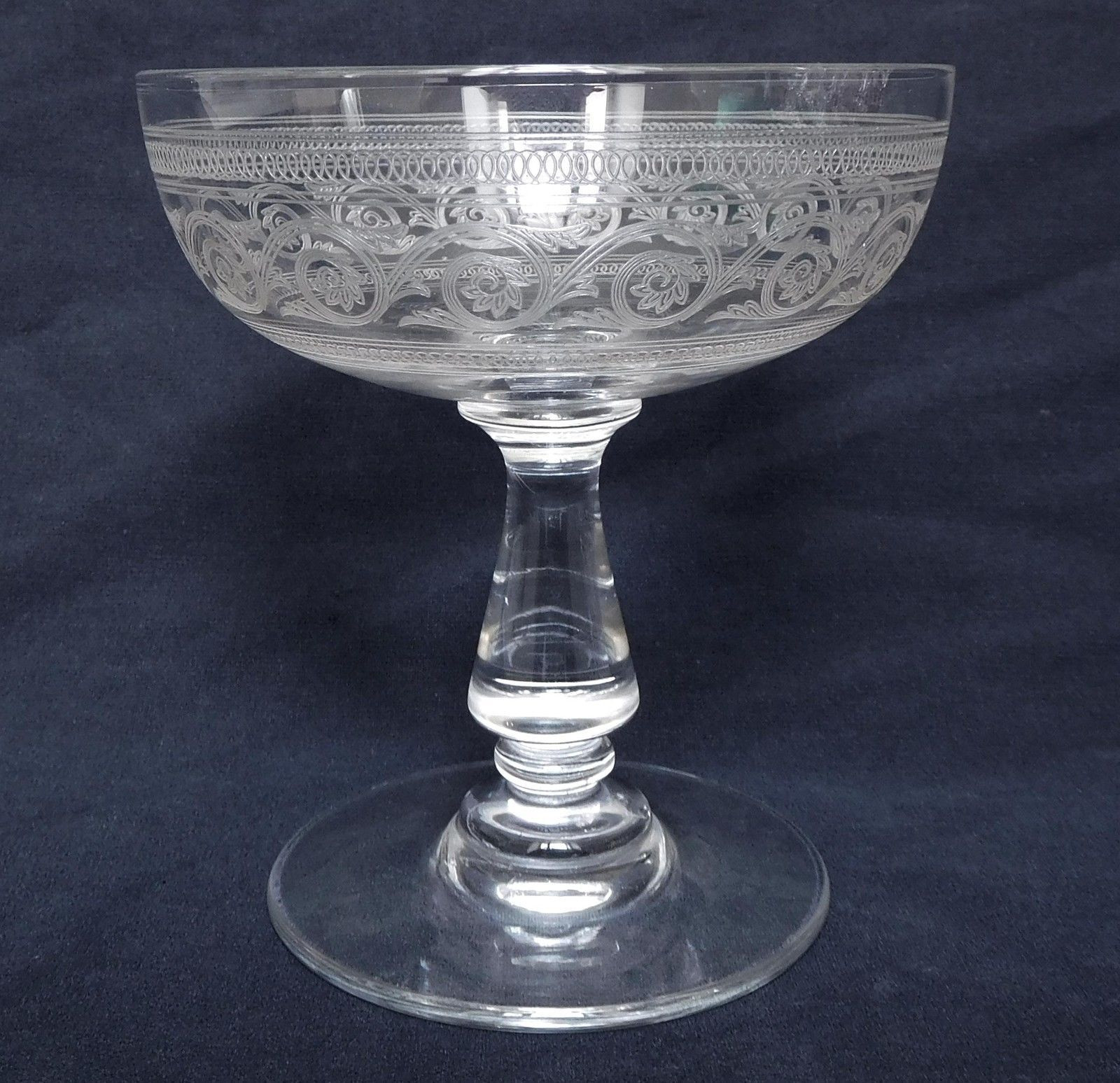 baccarat crystal vase prices of baccarat 6 coupes a champagne en cristal grava forme gondole regarding baccarat 6 coupes a champagne en cristal grava forme gondole athanienne 10cm in caramiq