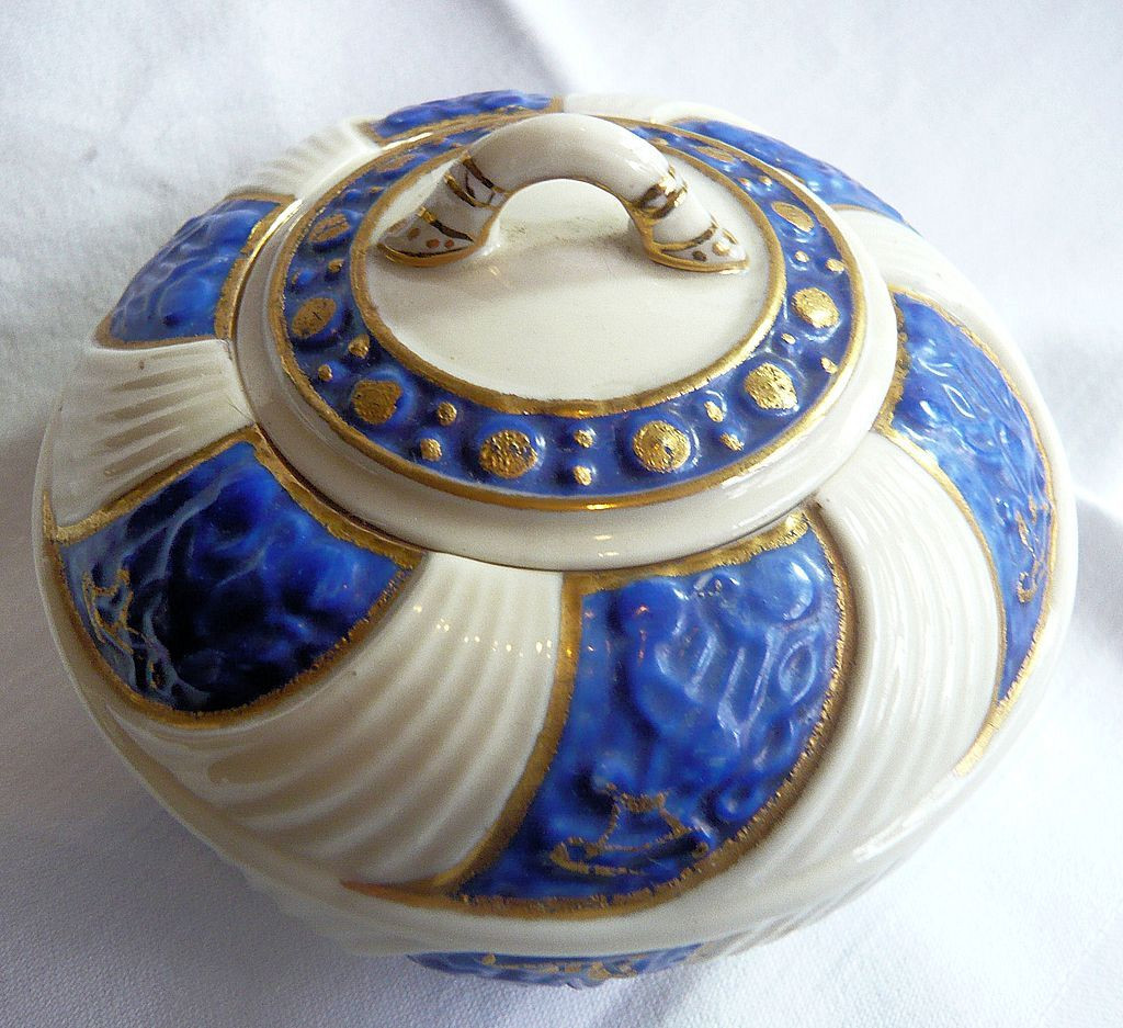 belleek vase ebay of belleek celtic pattern lidded sugar bowl third black mark oban pertaining to belleek celtic pattern lidded sugar bowl third black mark oban antiques