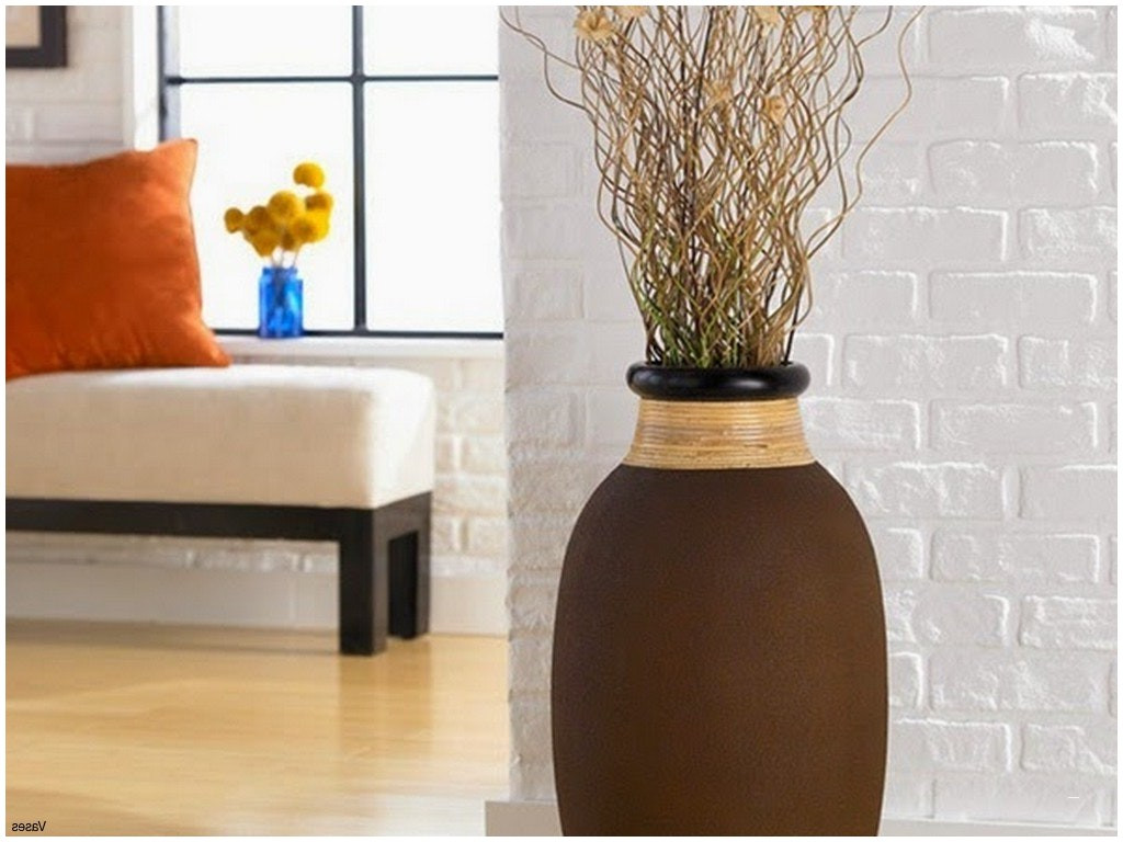 22 Elegant Big Vase Decoration Ideas