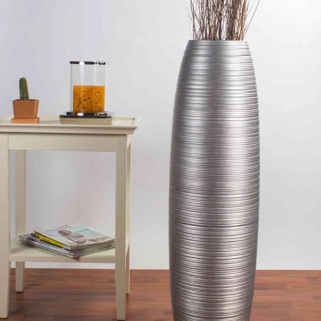 26 Unique Black and White Vase Fillers