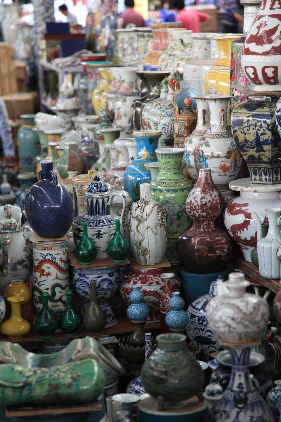 blue and white chinese vase of antique shops in hong kong for panjiayuan market beijingchina