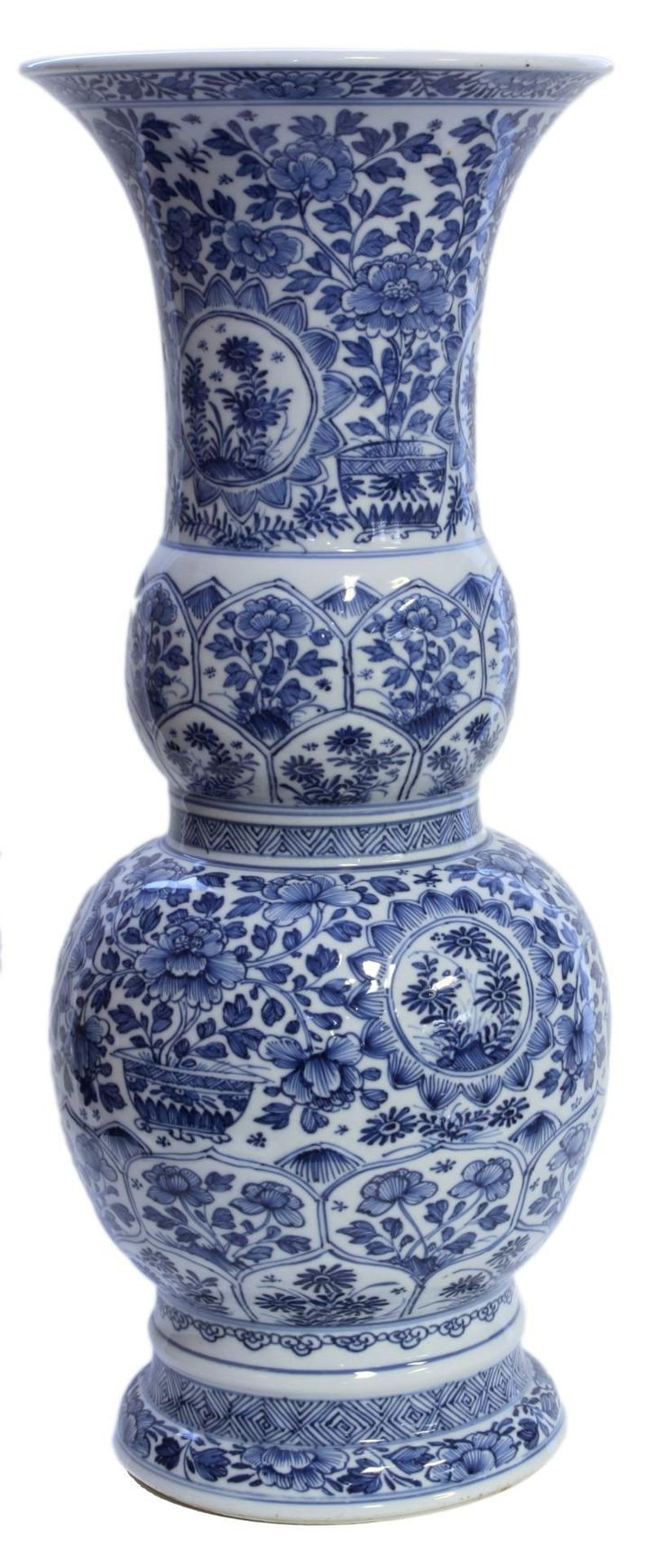 blue and white porcelain vases wholesale of 4293 best blue is my world images on pinterest cobalt blue blue pertaining to chinese hand painted blue and white vase vase depicting flowers throughout with stylized lotus blossom leaf designs