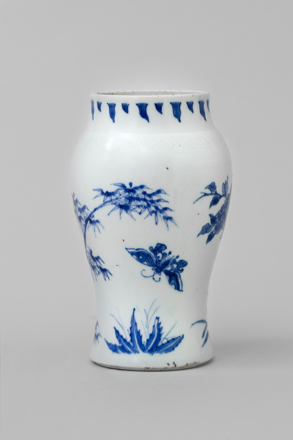 blue chinese porcelain vase of a chinese transitional blue and white vase shunzhi 1644 1661 within a chinese transitional blue and white vase