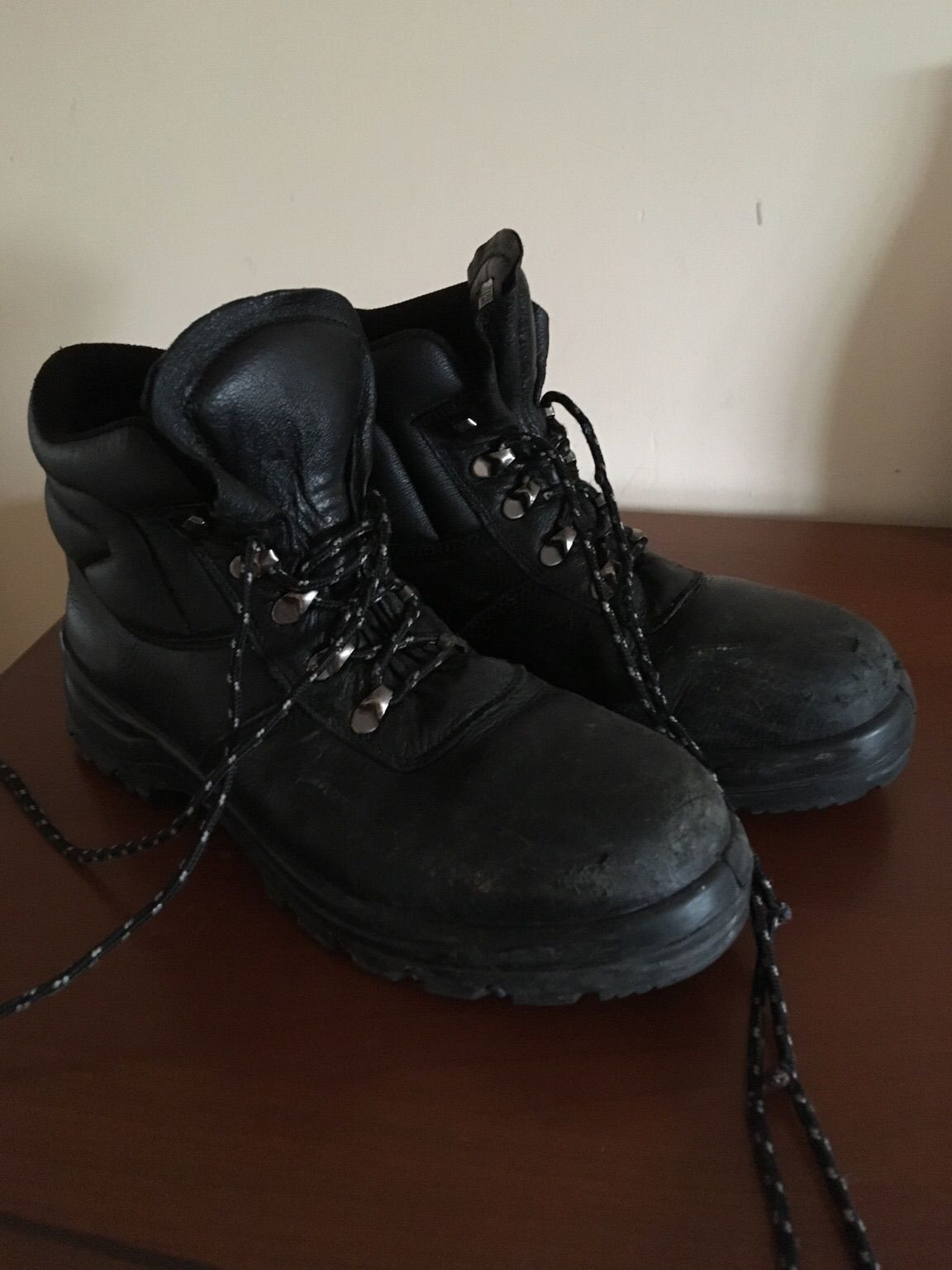 boot vase wholesale of https en shpock com i wiavpjwcnih0ucby 2017 12 11t185525 in size 10 safety boots 519a4194