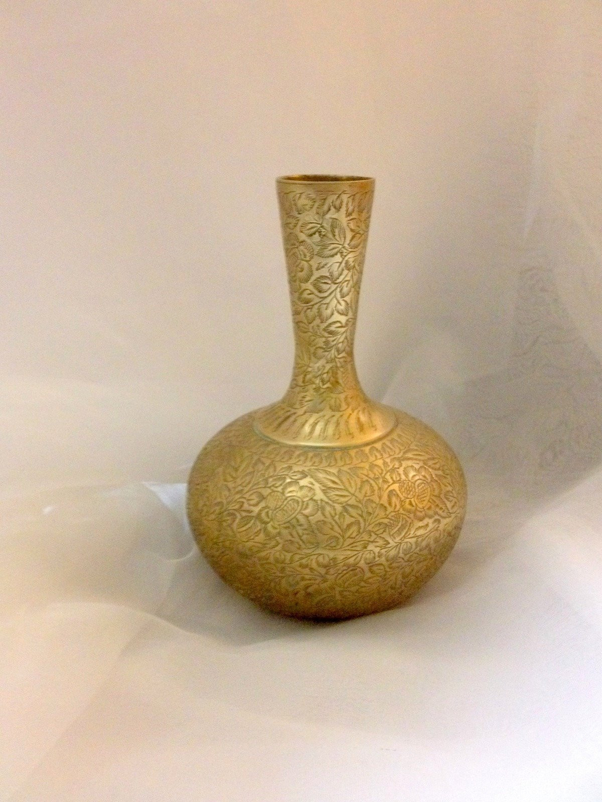 """brass bud vase india of india brass vase with etched floral design 7 inches high 15 etsy with regard to dŸ""""Žpowia™ksz"""