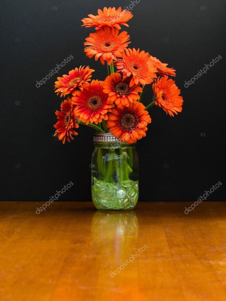"""burnt orange glass vase of szklany wazon posiada spalony stokrotki pomaraa""""czowe zdja™cie intended for mason jar vase contains a bunch of burnt orange daisies zdja™cie od erp seattle"""