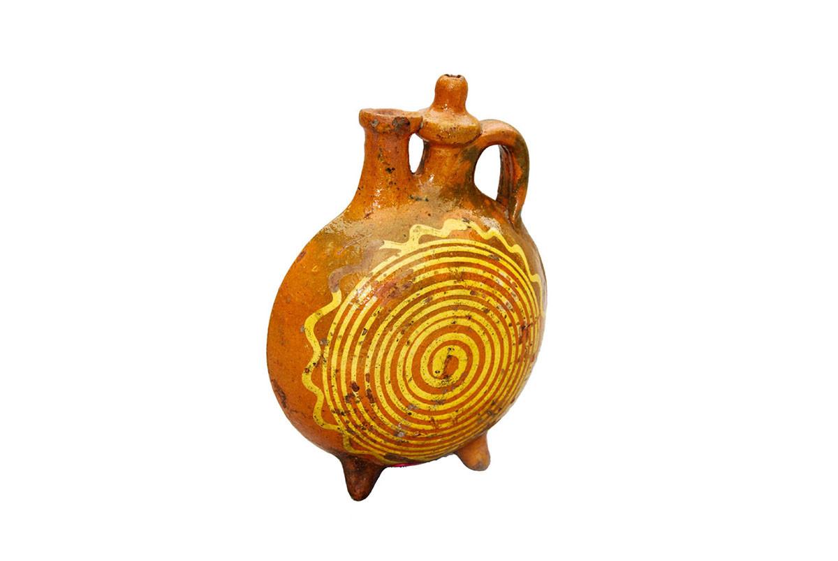 burnt orange glass vase of the homeland museum of knjaa¾evac ethnology pertaining to pljoska grncarski rad pocetak xx veka