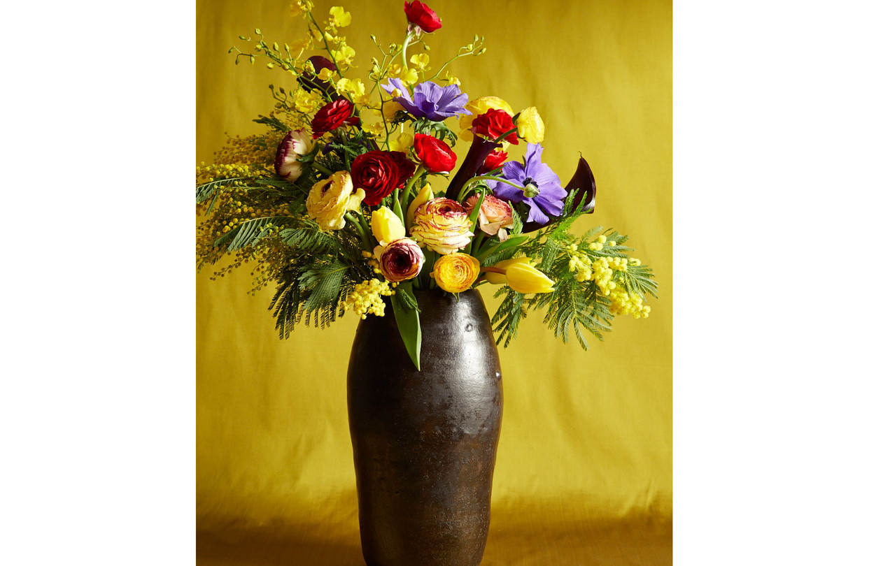 calla lily in water vase of a bouquet based on a klimt masterpiece wsj intended for od ba616 flower gr 20140116171237