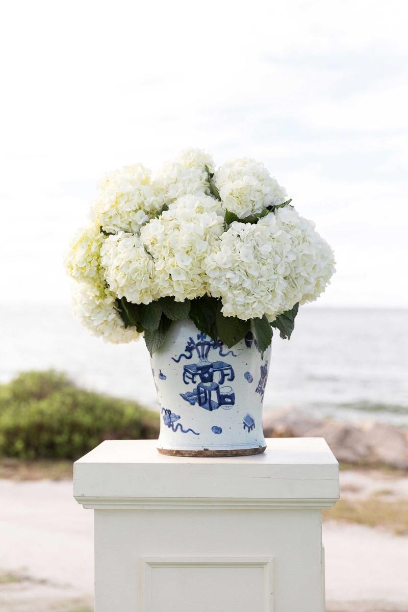 ceramic cube vase of awesome blue hydrangea in vase bogekompresorturkiye com with regard to blue hydrangea in vase newest seaside island destination wedding with blue white dacor of awesome
