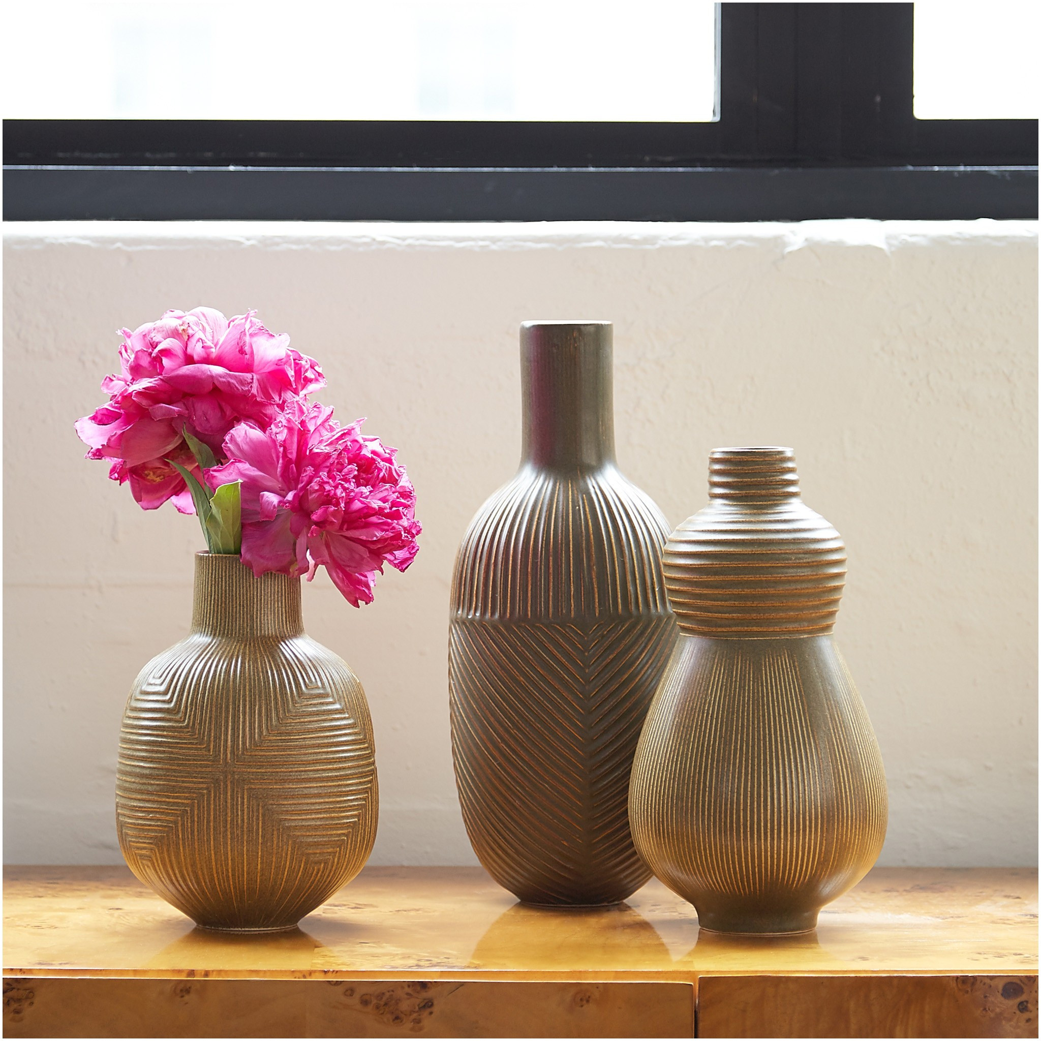 ceramic vase ideas of 21 beau decorative vases anciendemutu org with regard to modern decor pottery relief vases 2015 styled b jonathan adlerh i 18d