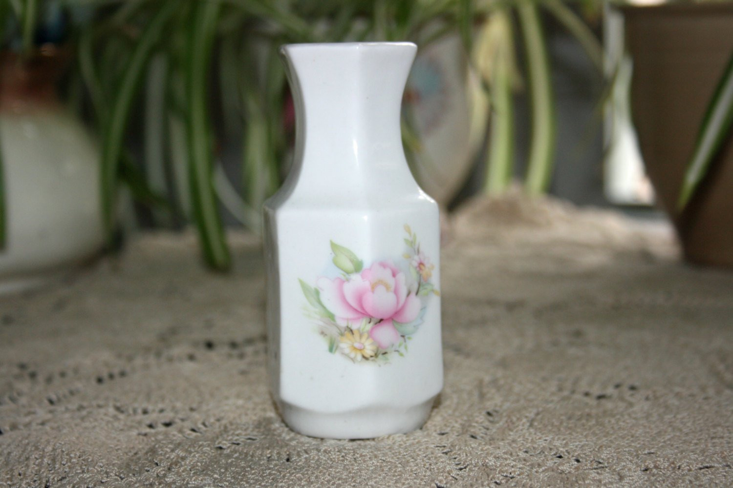 Chinese Flower Vase Porcelain Of Vintage Miniature Bud Vase Staffordshire Bone China Hexagon Made In Intended for Vintage Miniature Bud Vase Staffordshire Bone China Hexagon Made In England Flower Porcelain Vase Rose Floral