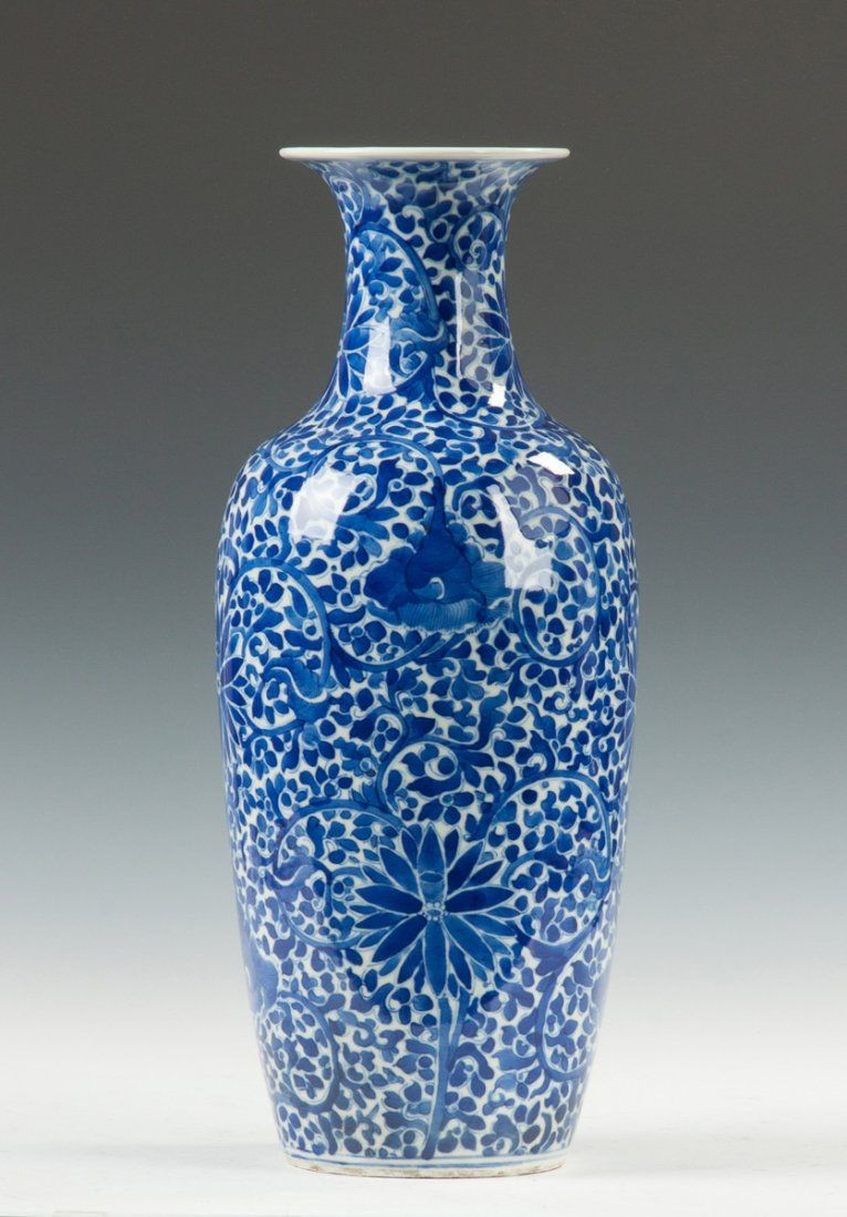 chinese porcelain vase of chinese blue white decorated porcelain vase 19th cent or earlier pertaining to pottery