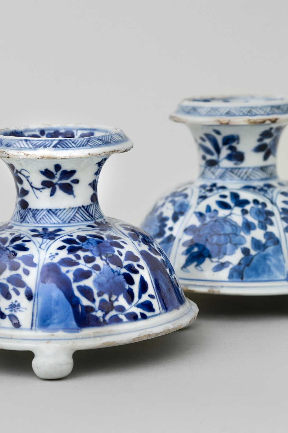 24 Spectacular Chinese Porcelain Vase Shapes 2021 free download chinese porcelain vase shapes of a near pair of chinese blue and white tripod salts kangxi 1662 for a near pair of chinese blue and white tripod salts