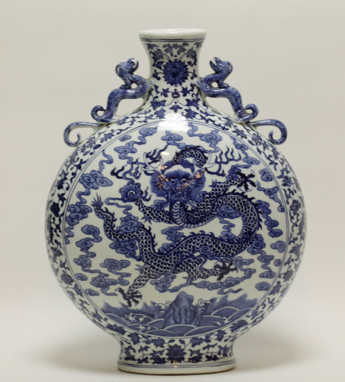 chinese pottery vase of lot 337 s60 chinese blue white porcelain vase est 2000 3000 inside lot 337 s60 chinese blue white porcelain vase est 2000 3000 antique reader