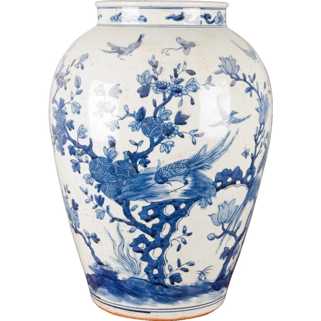 Colored Glass Vases and Bowls Of Blue and White Porcelain Chinese Classic Vase with Birds and Flowers In Blue and White Porcelain Chinese Classic Vase with Birds and Flowers 4