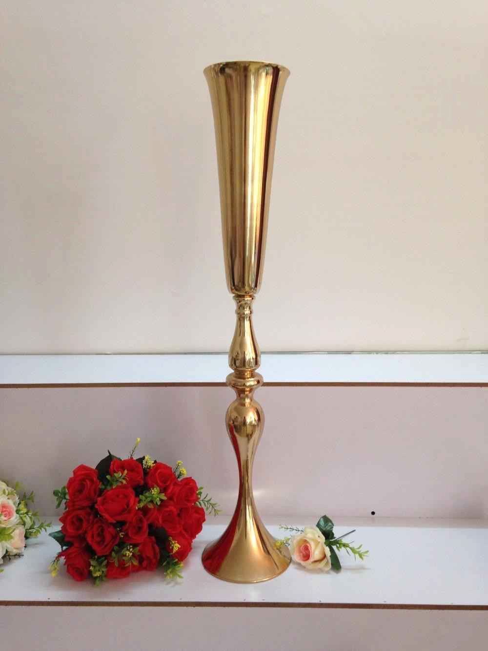 25 attractive Crystal Vase with Gold