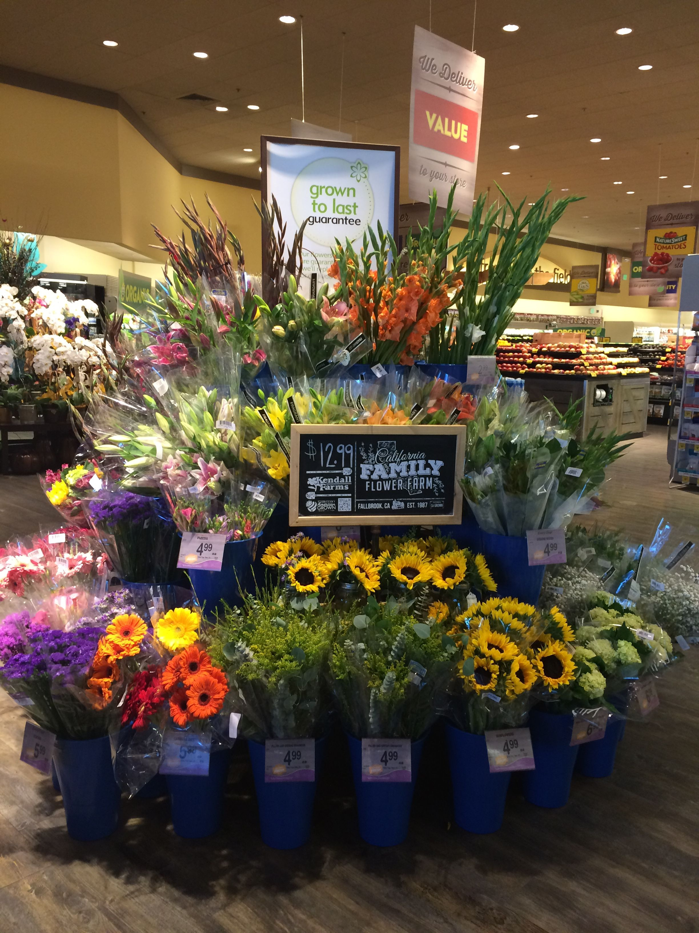 debi lilly design illusion vases of pin by tanya allen goodale on safeway flower shop pinterest with regard to pin by tanya allen goodale on safeway flower shop pinterest flowers floral and shopping