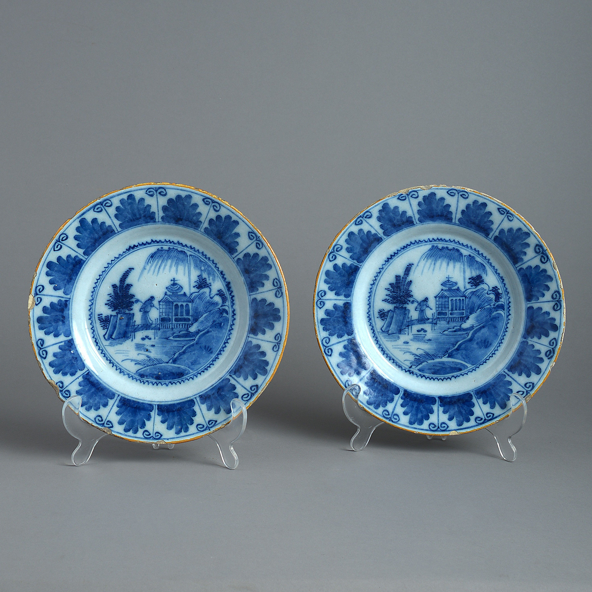 delft tulip vase of delft dinnerware castrophotos within a pair of 18th century delft plates in the chinese taste