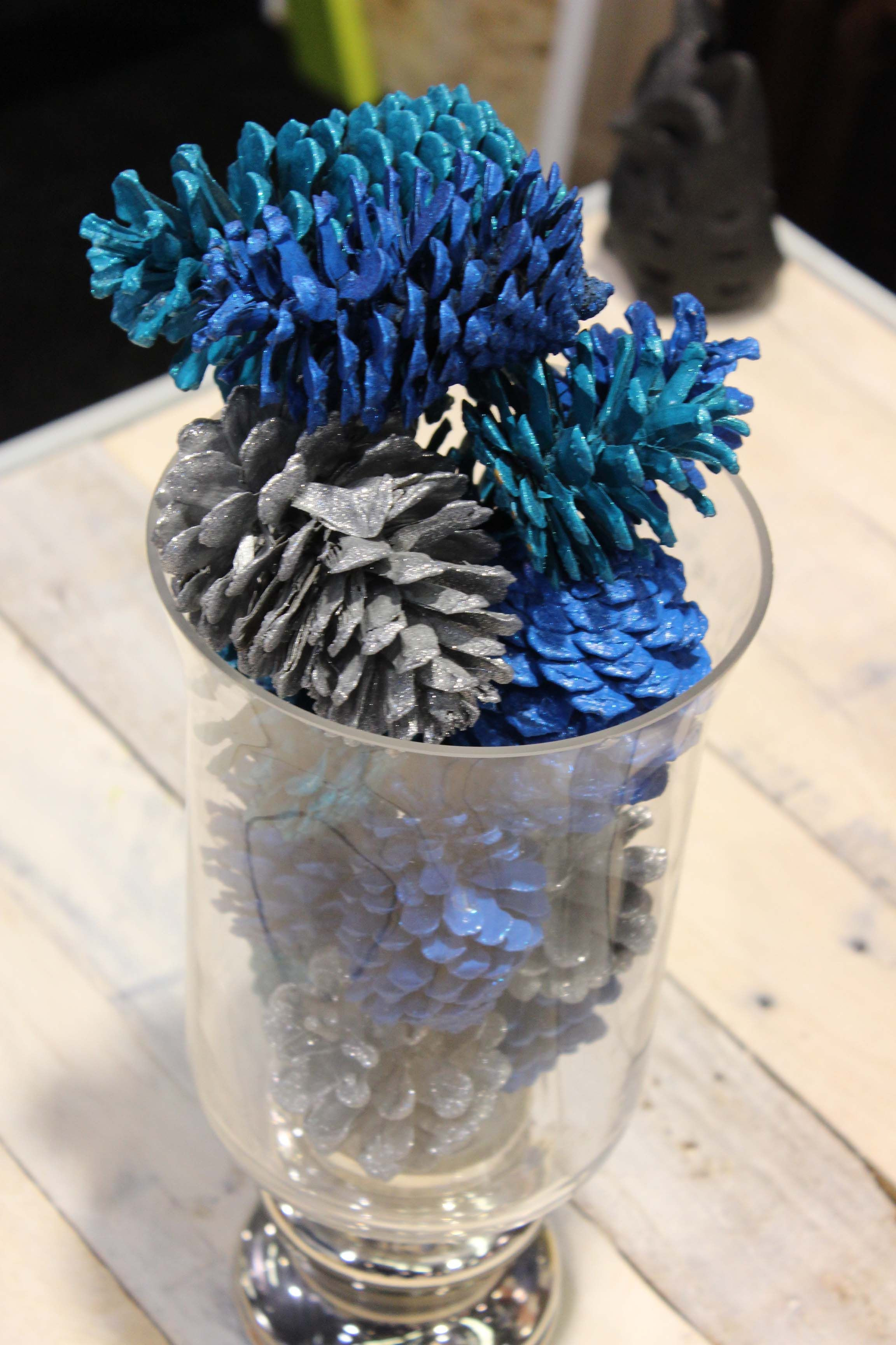 Diy Vase Fillers Of Rust Oleum Spray Painted Glitter Pine Cones as A Vase Filler for Throughout Rust Oleum Spray Painted Glitter Pine Cones as A Vase Filler