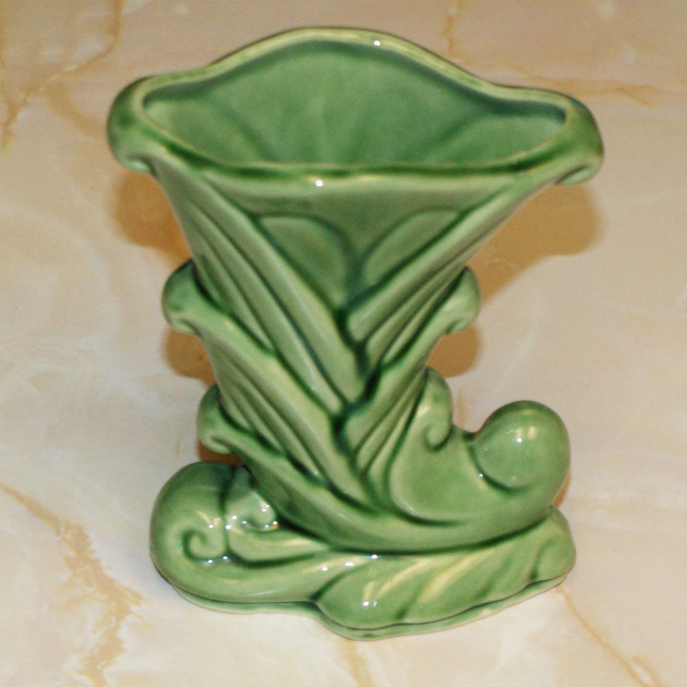 Ebay Vases for Sale Of Vintage Shawnee Usa Cornucopia or Trumpet Flower Vase 835 In Green Pertaining to Vintage Shawnee Usa Cornucopia or Trumpet Flower Vase 835 In Green Ebay