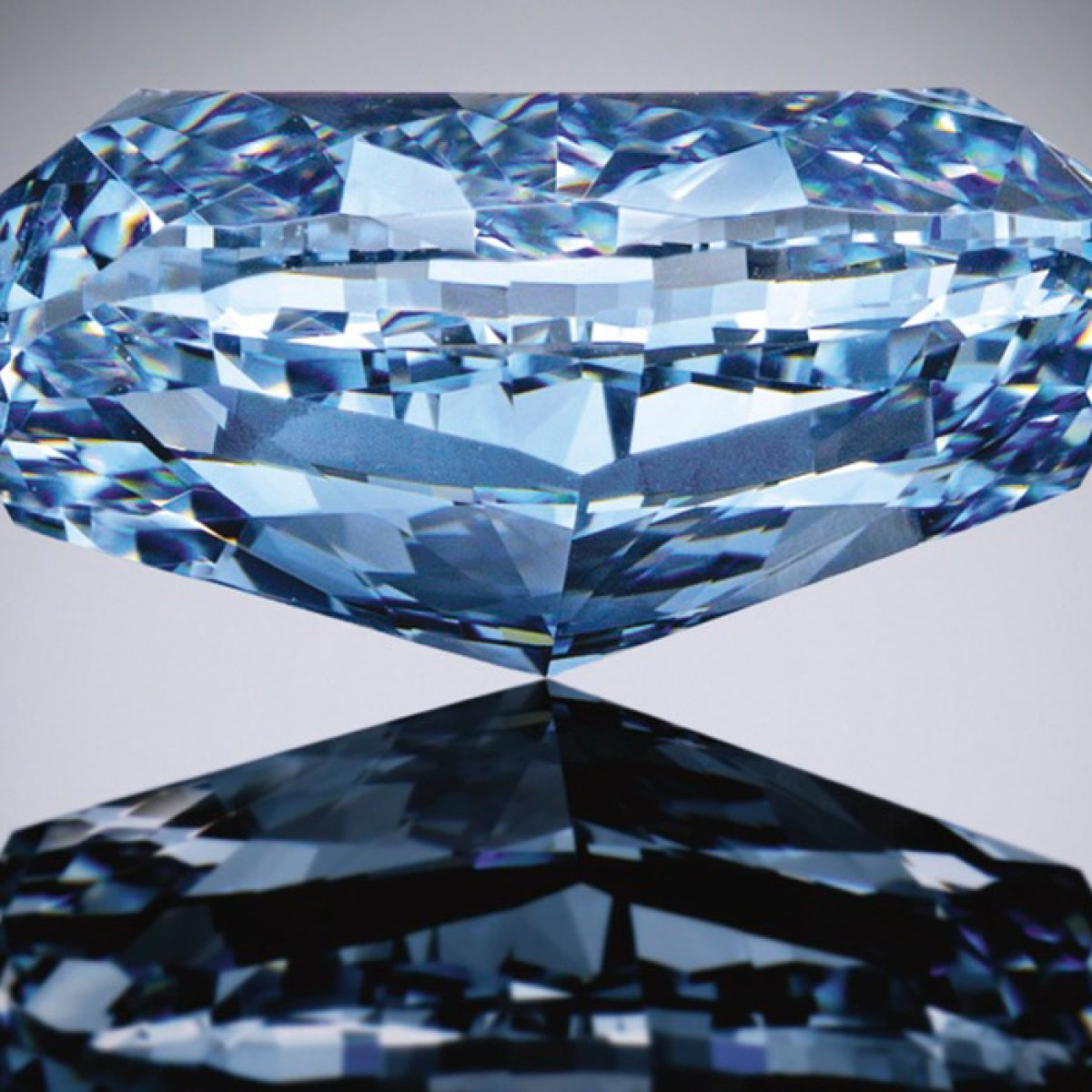 expensive vase brands of the rarest of the rare multimillion dollar blue diamonds pertaining to the rarest of the rare multimillion dollar blue diamonds jewellery sothebys