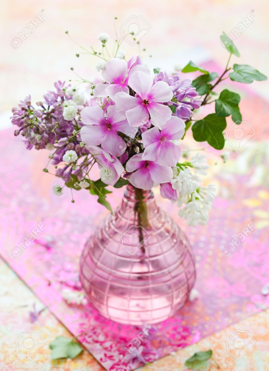 extra large hurricane vase of vases design ideas how to make flowers last longer putting flowers with regard to beautiful spring flowers in a vase look so cute and beautiful make you feel comfortable with
