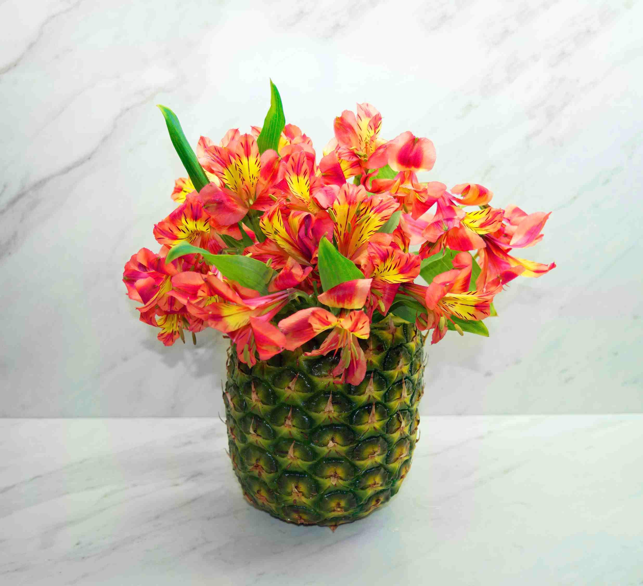 fake flowers in glass vase of diy pineapple vase floral arrangement regarding diy pineapple vase 56a262c53df78cf77274f3c3