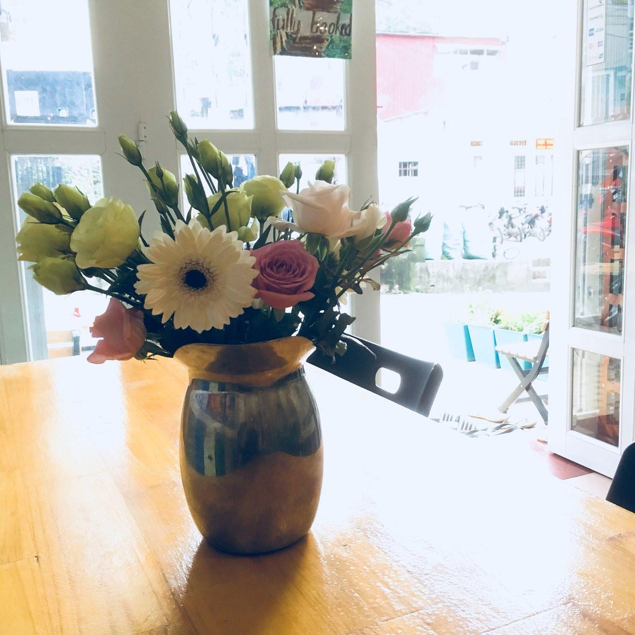 fd1 florist designed bouquet in a vase of viridian hostel updated 2018 prices reviews da lat vietnam for viridian hostel updated 2018 prices reviews da lat vietnam tripadvisor