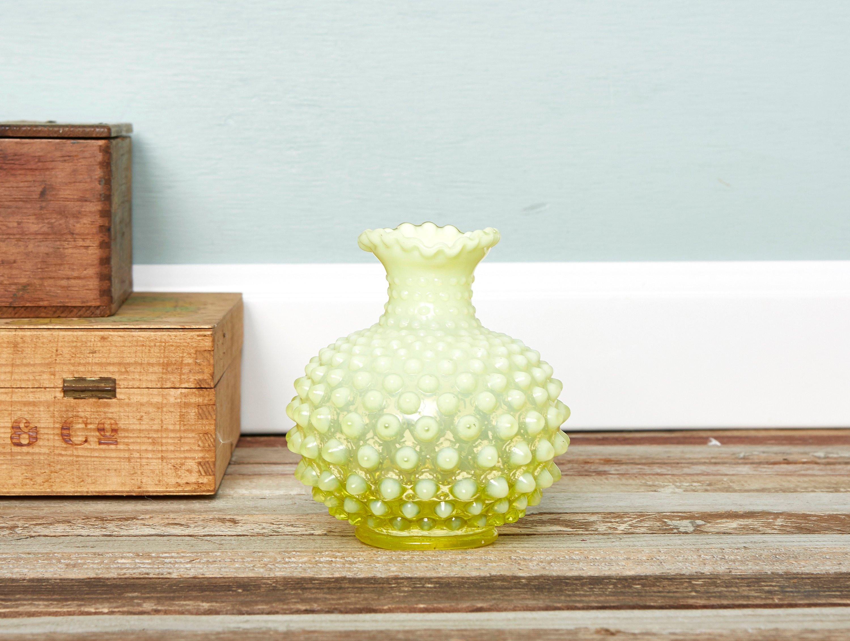 """fenton blue opalescent hobnail vase of vintage yellow white bud vase topaz opalescent hobnail rose etsy inside dŸ""""Žzoom"""