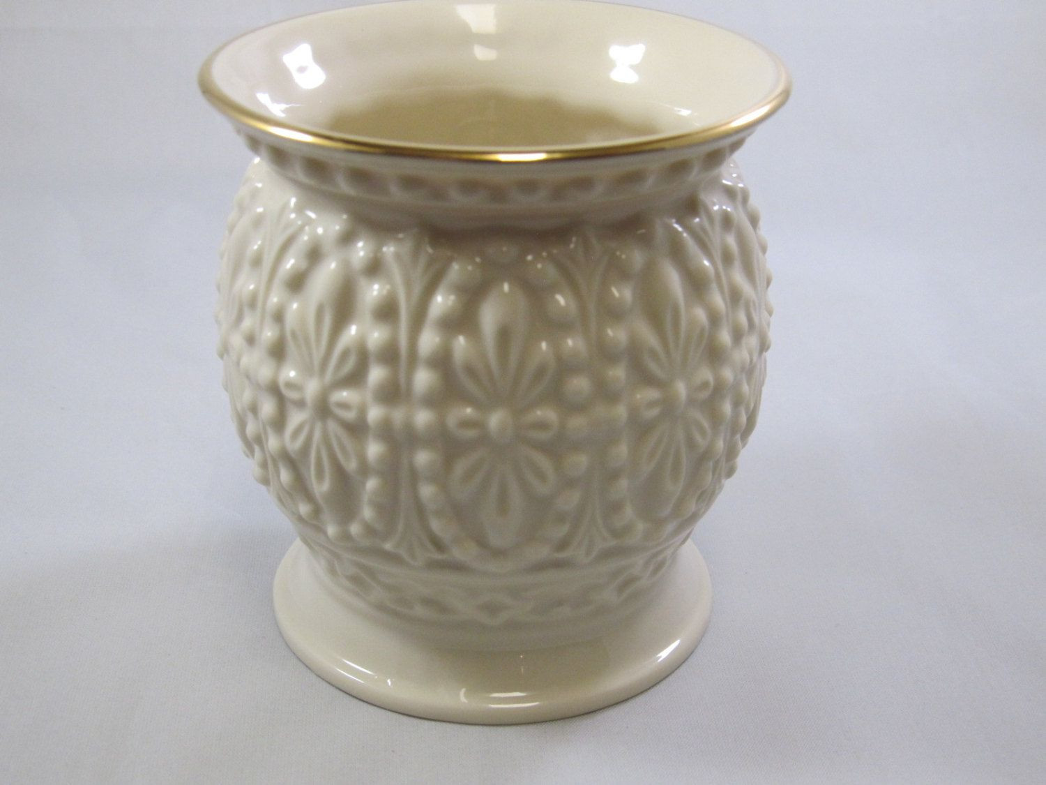 Fine China Vase Of Lenox Ivory Porcelain Vase 24k Gold Trim Bud Vase Fine China Throughout Porcelain