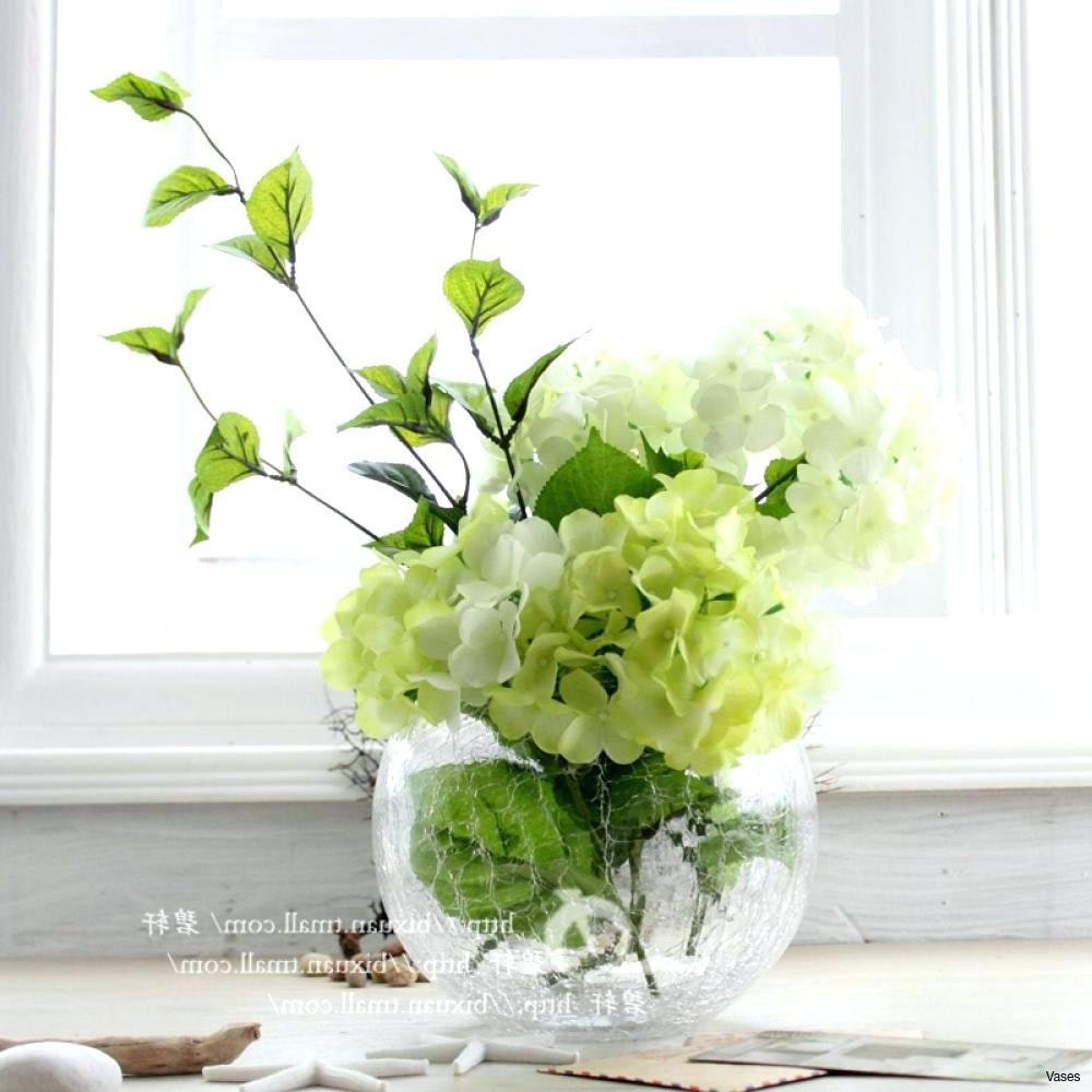 19 attractive Flower and Vase Decor