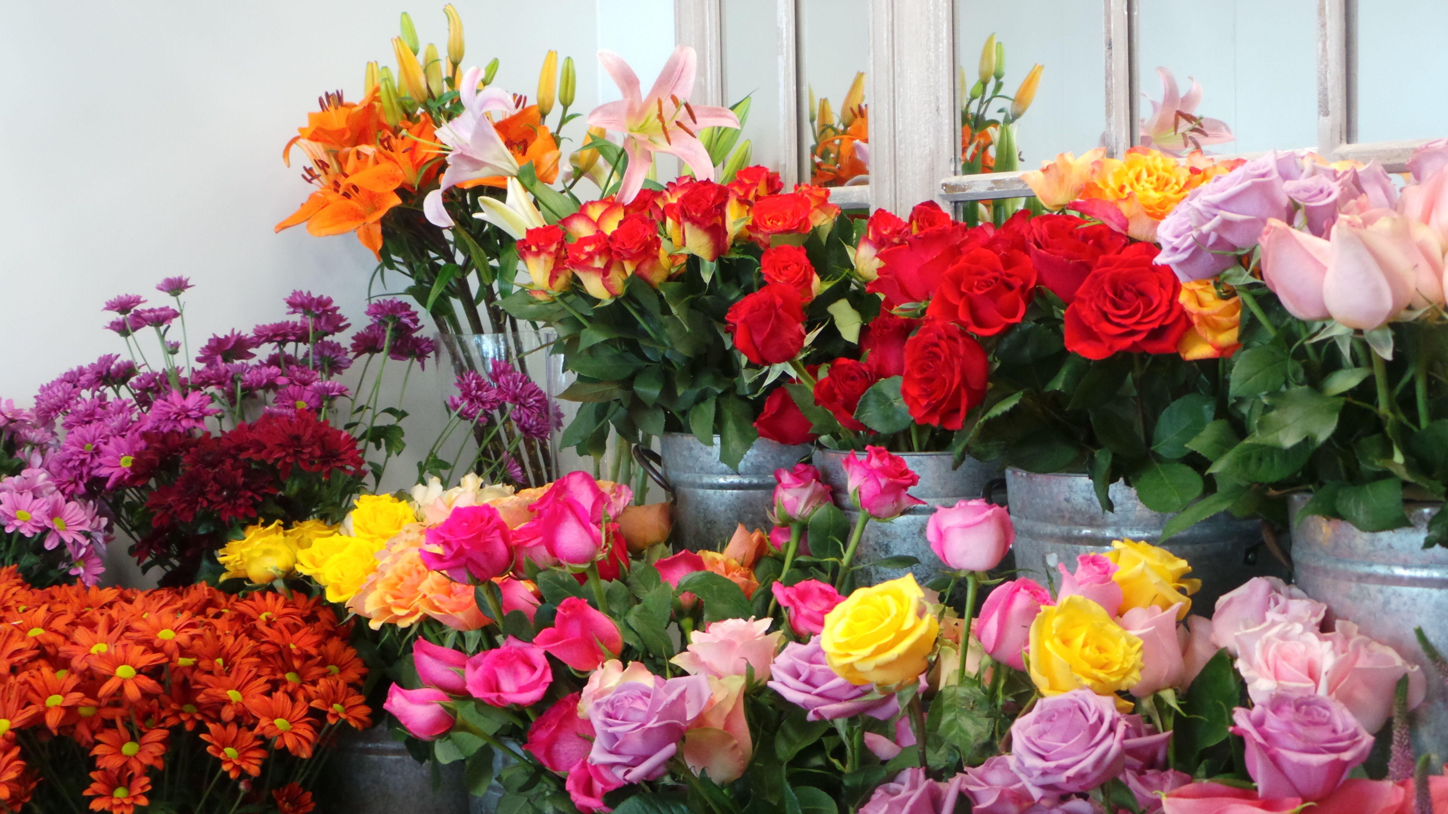 flower vase with artificial flowers online shopping of send flowers in dubaiartificial flowers onlineartificial floral pertaining to send flowers in dubaiartificial flowers onlineartificial floral arrangementsbouquet of roses