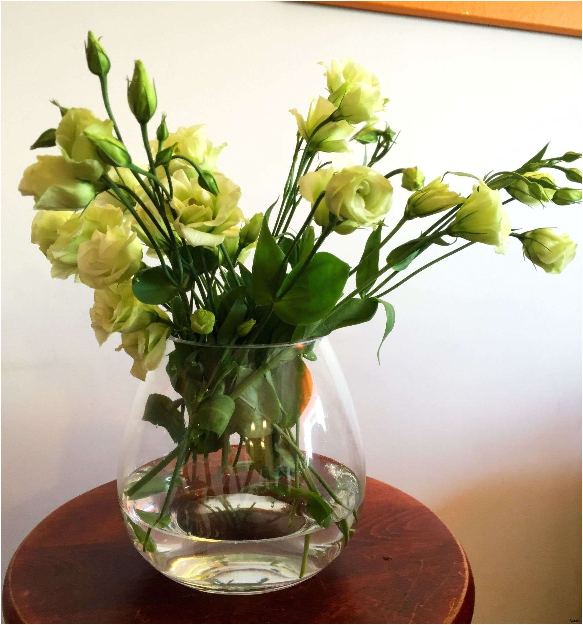 17 Spectacular Glass Flower Vases