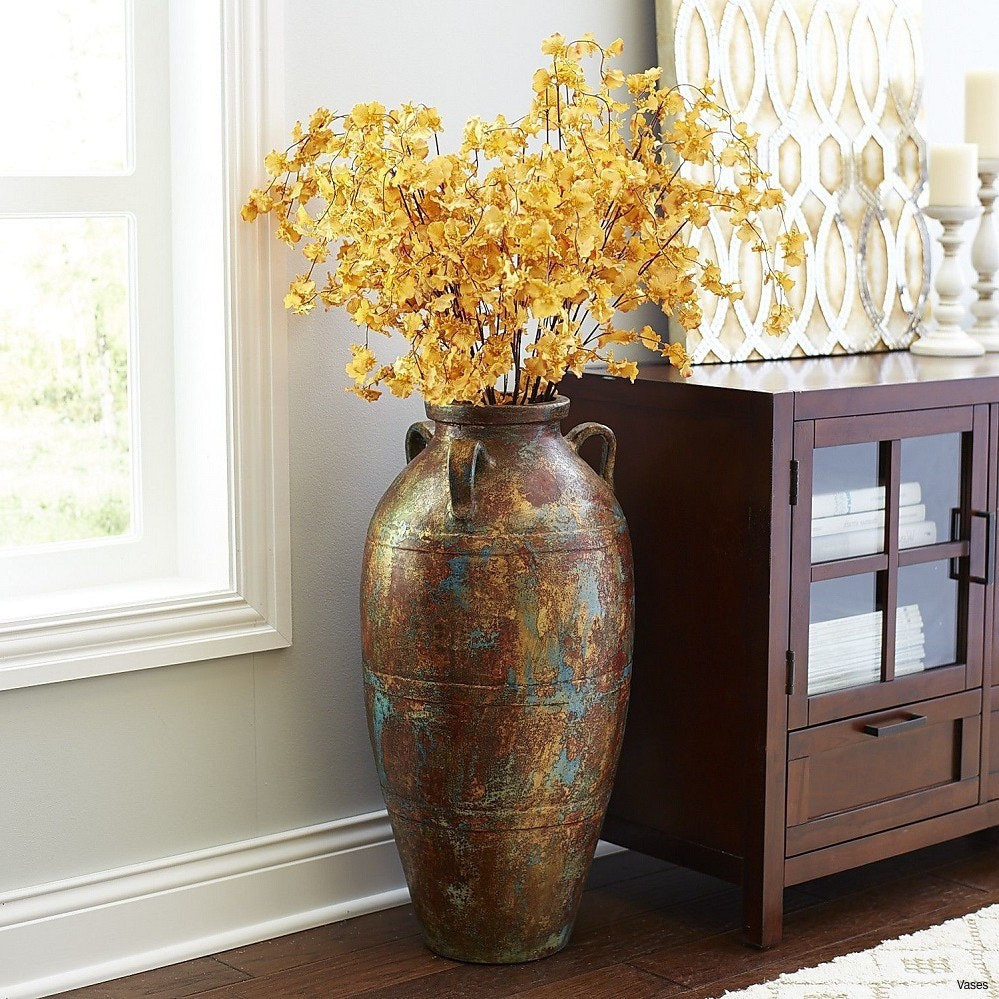 14 attractive Gold and Glass Vase
