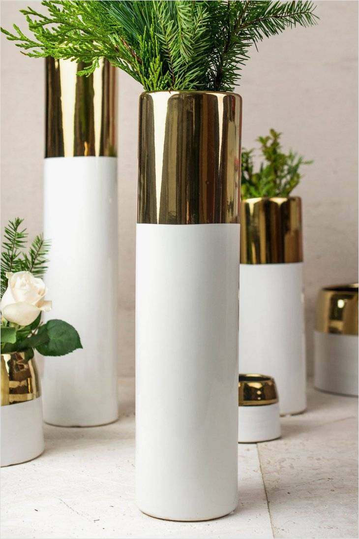 gold hurricane vase of cool design on tall hurricane vases for beautiful living room ideas within amazing design on tall hurricane vases for use contemporary decorating ideas this is so amazingly