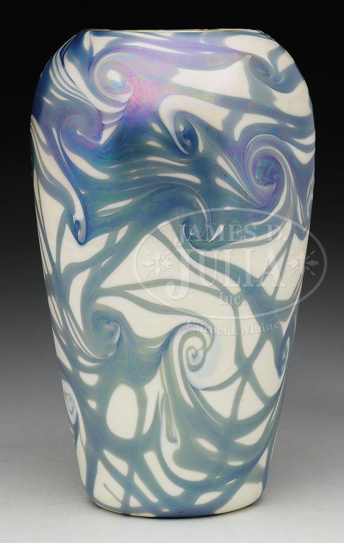 gold trumpet vases for sale of 9 best gold glass images on pinterest gold glass art nouveau and inside quezal vase has blue iridescent king tut design set against a creamy white background i