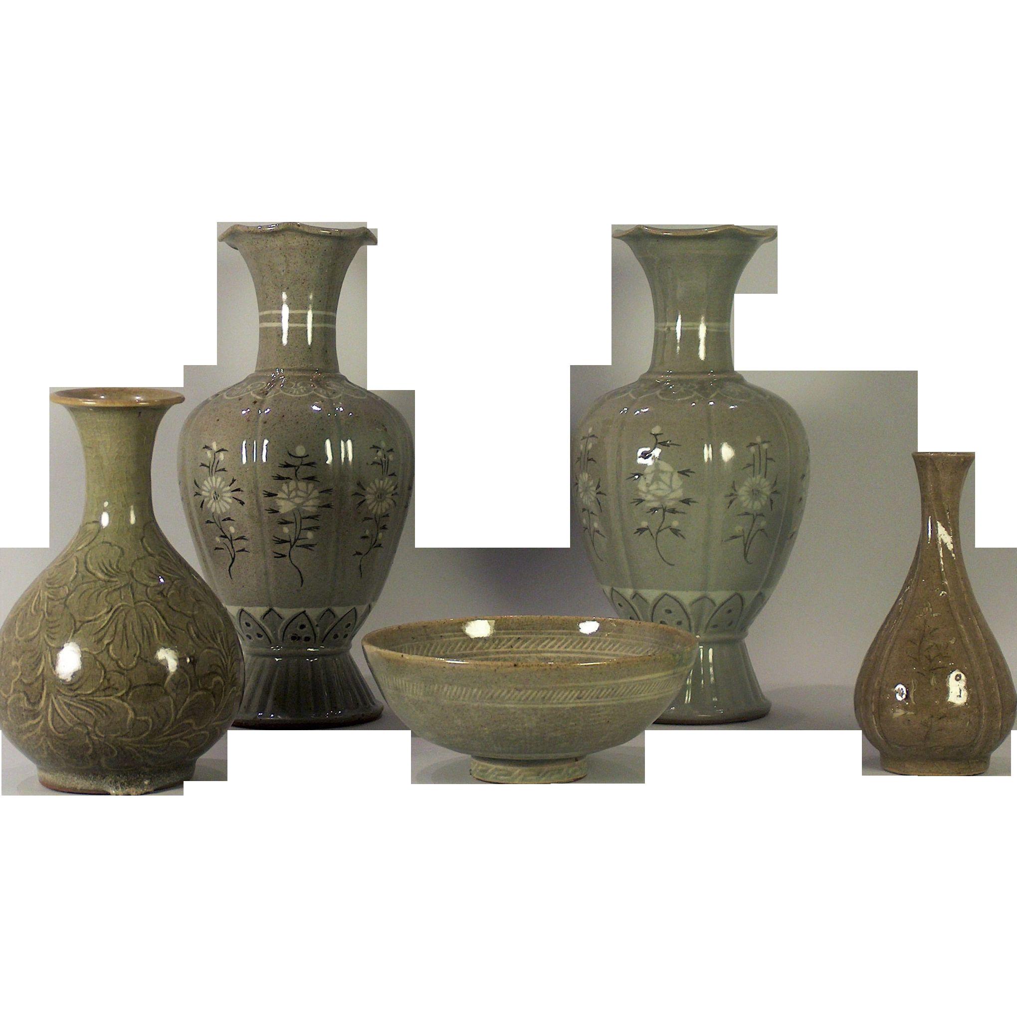 goryeo celadon vase of important korean chosen dynasty celadon gourd shape vase 12hx5 4 in important korean chosen dynasty celadon gourd shape vase 12hx5 4dia decorated with crane scene e·¸e¦‡ iˆ˜i € pinterest