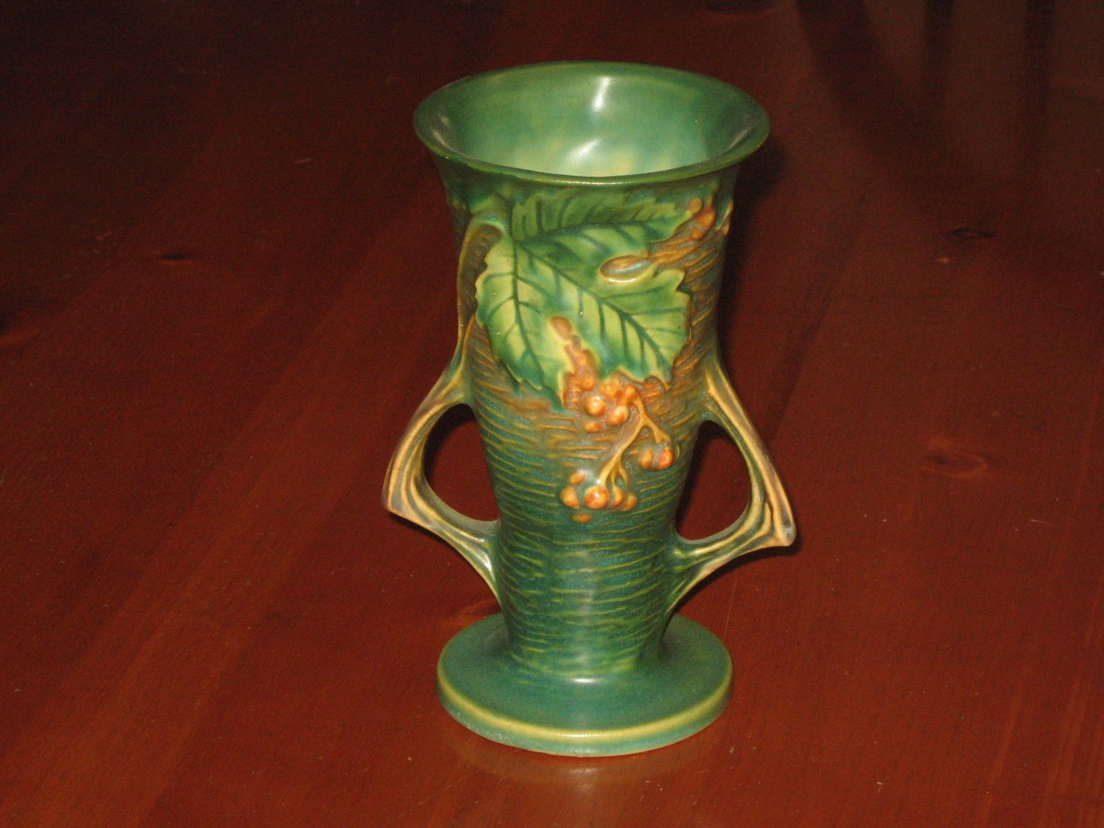 hall pottery vase of beautiful vintage roseville bushberry vase 30 6 green ebay with regard to beautiful vintage roseville bushberry vase 30 6 green ebay