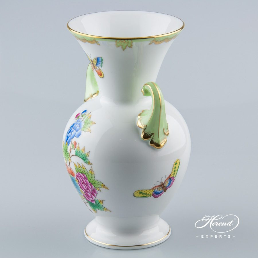 herend hvngary hand painted vase of vase with baroque handle queen victoria herend experts within vase 7023 0 19 vbo queen victoria pattern herend porcelain hand painted
