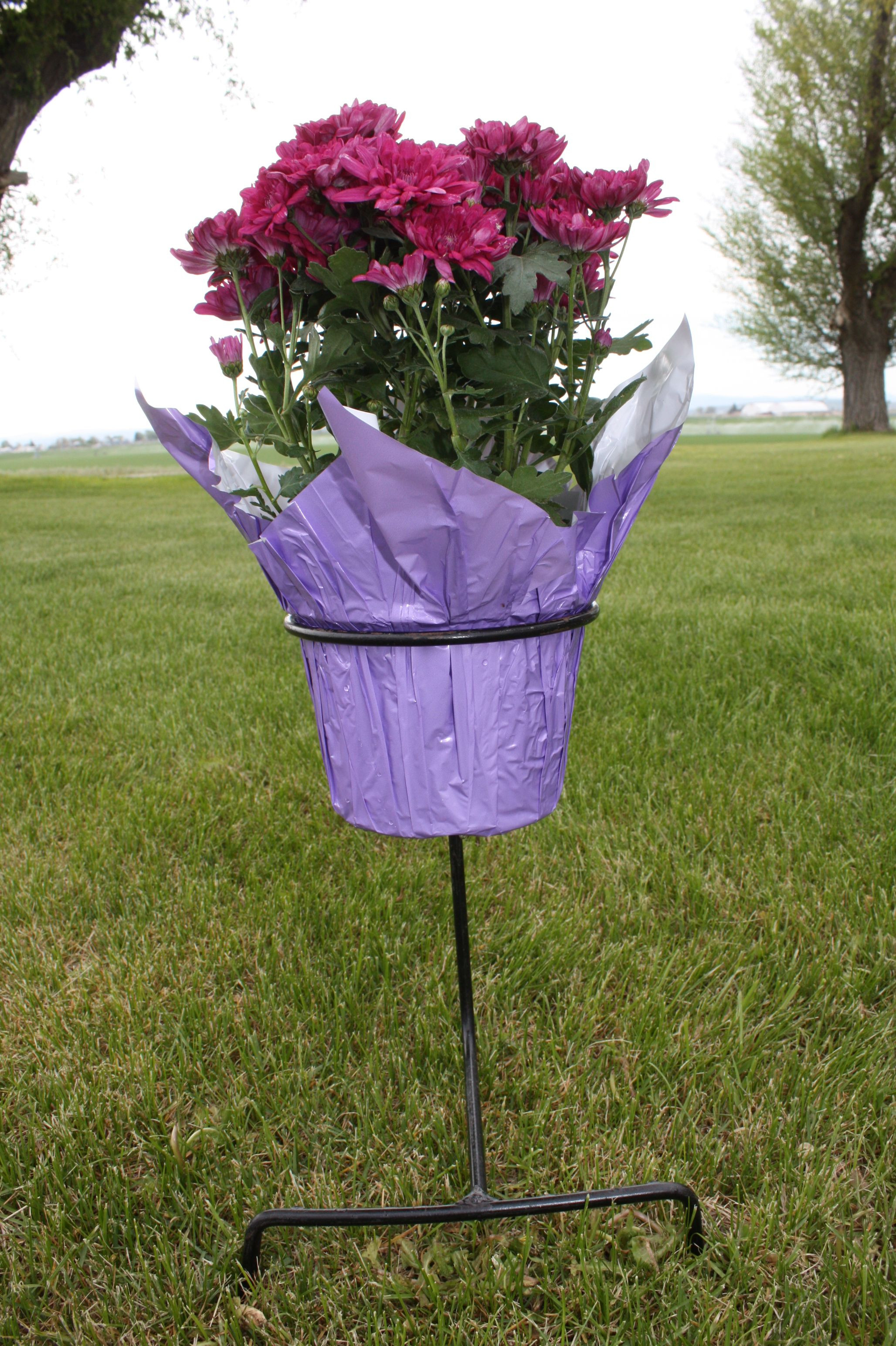 hobby lobby cemetery vases of rod iron flower pot holder keeps plant in place at the graveside or with rod iron flower pot holder keeps plant in place at the graveside or any place